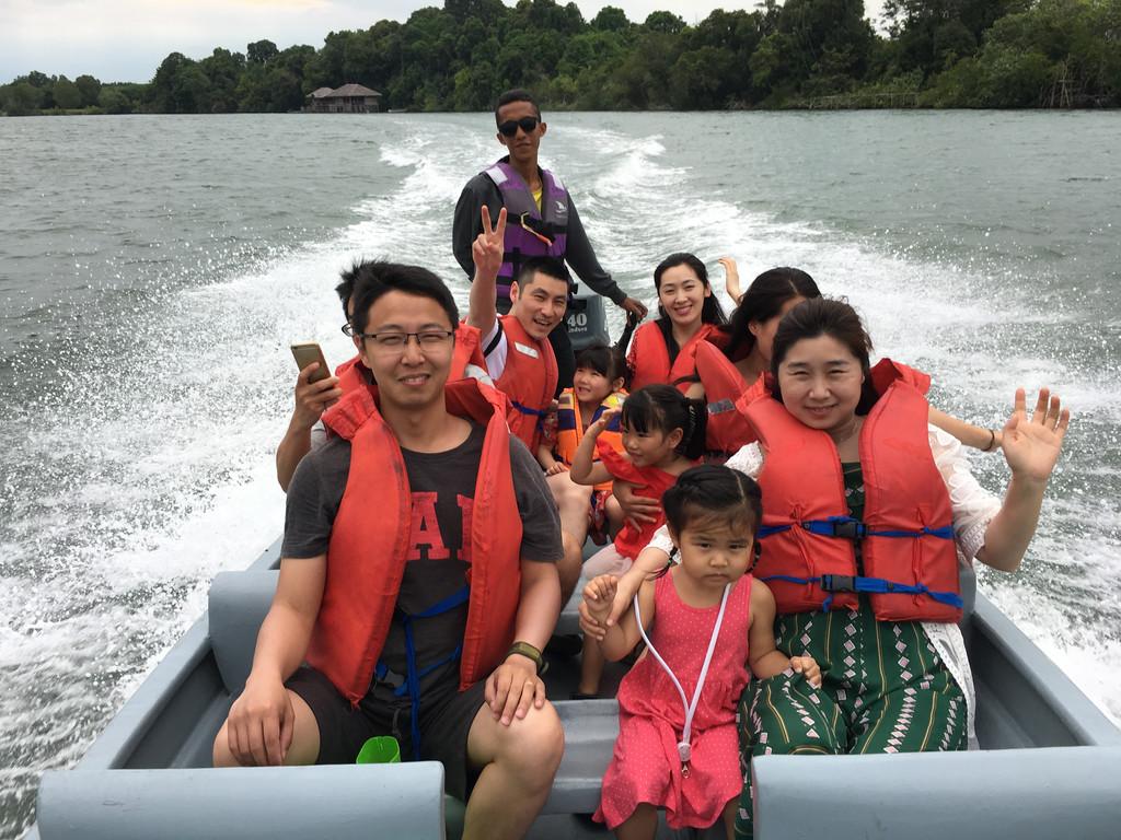 yiyi的旅行日记--新加坡 民丹岛
