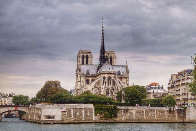 塞纳河把巴黎分成左岸右岸_巴黎左岸右岸_巴黎,你在左岸还是右岸