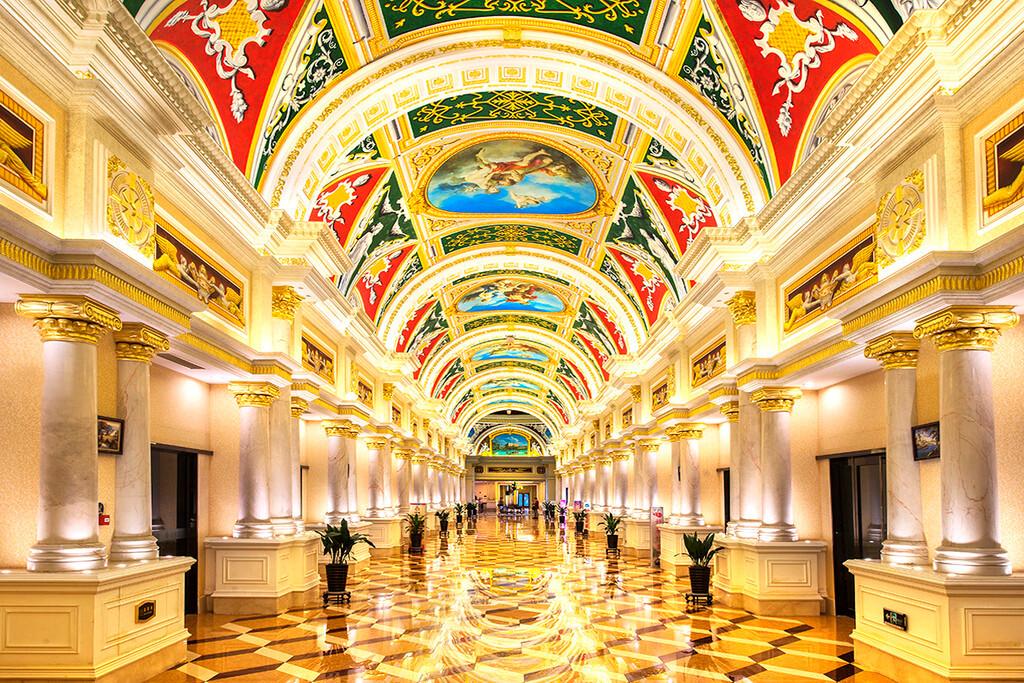 典雅的欧式装饰风格,手绘壁画的西斯廷拱廊