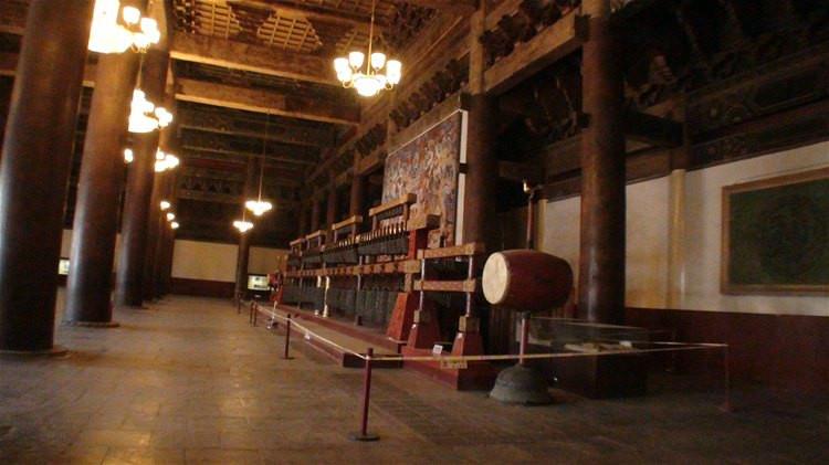 1999年11月制作完成的青铜编钟,现成为太庙馆藏文物.