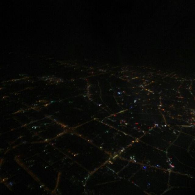 回家时飞机上拍到的南宁夜景