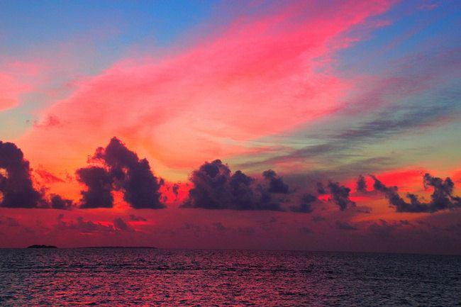 时而画上个爱心,贼他妈浪漫 奇观随时都有可能出现,夜幕下的天空忽然
