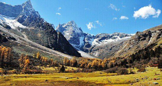 地处国家级人与自然保护圈—米亚罗自然保护区的核心区域,是邛崃山系