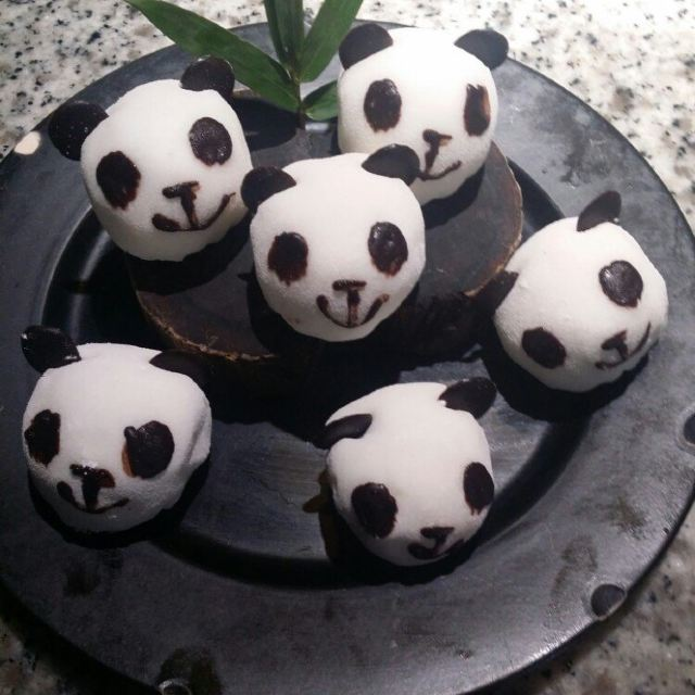 很可爱的小熊猫.其实就是雪梅娘.