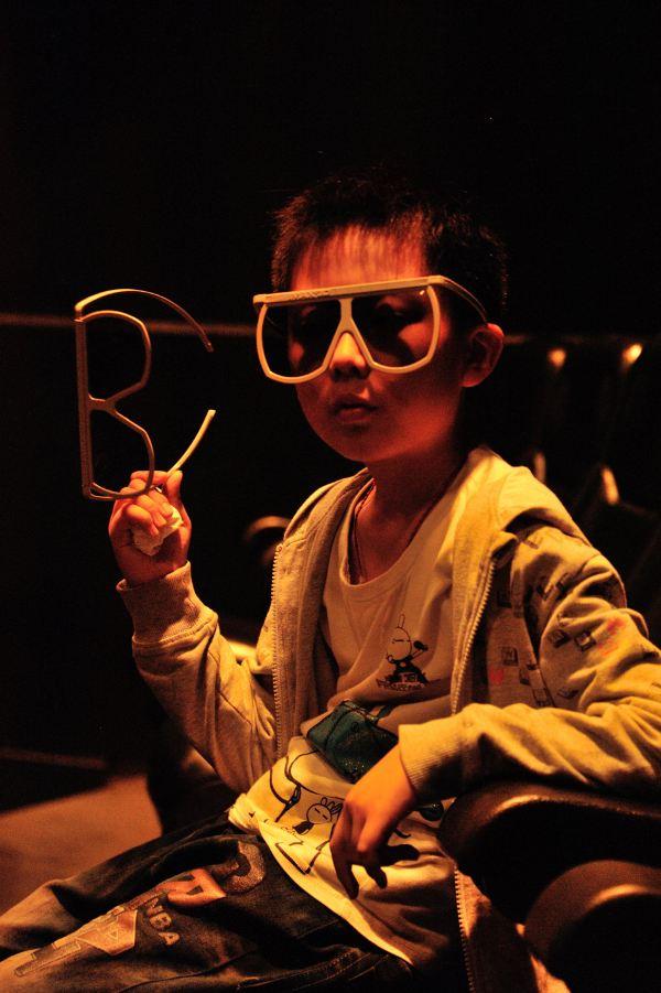 此外,特别推荐科技馆里的4d电影《电影王朝》,电影通过剑齿虎的成长剑齿樱桃小丸子图片