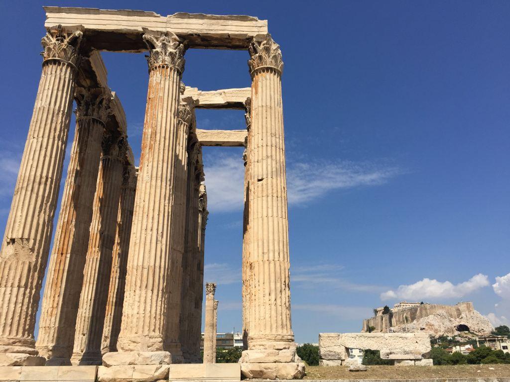 拱券结构是罗马建筑最突出的特点.