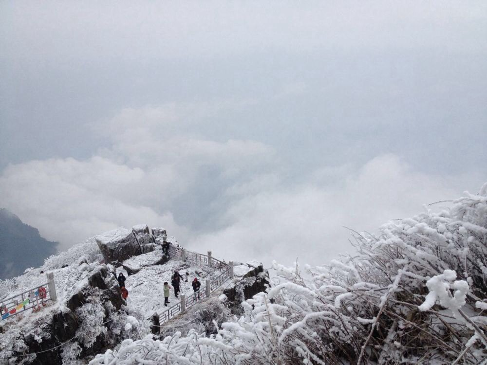 冰雪峨眉山一日游图片