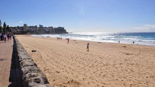 沙滩人群高清图素材