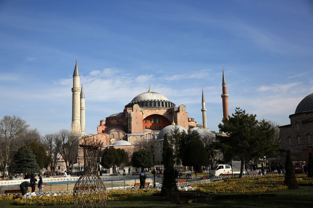 整座蓝色清真寺装饰着的2万片上的伊兹尼蓝磁砖