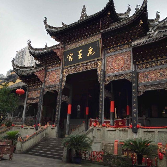 这是江南园林的特点和徽式建筑结构的结合