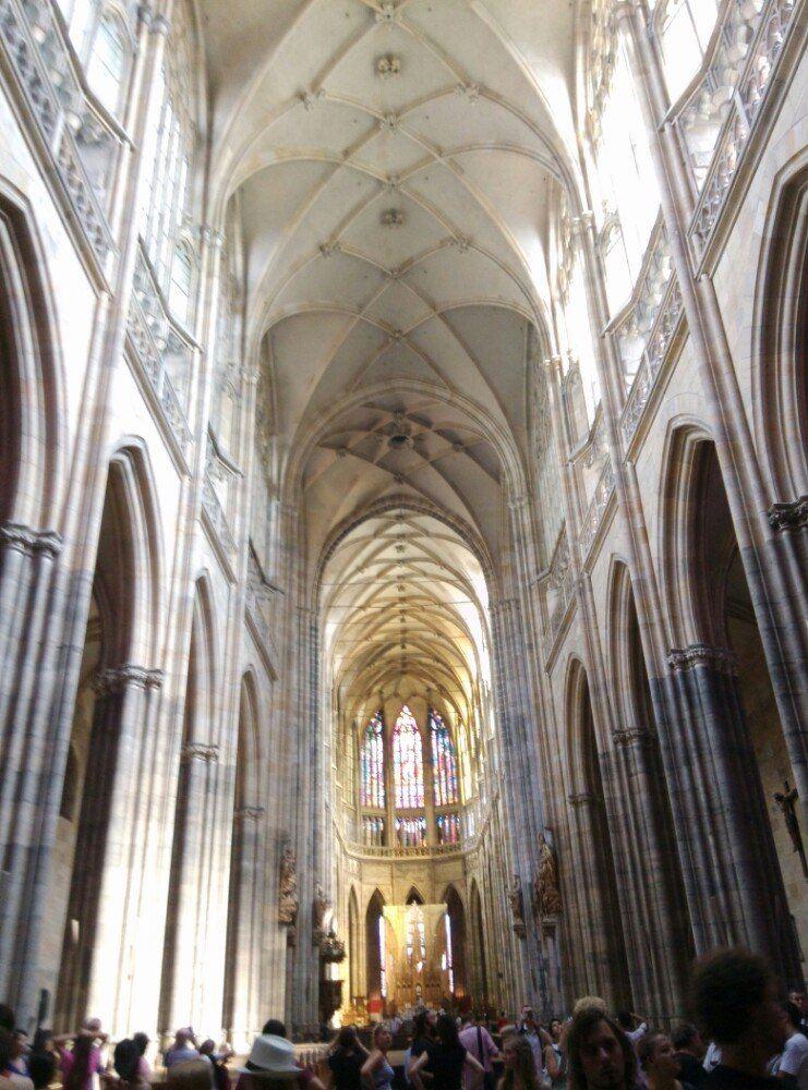 同时参观教堂大钟的内部结构