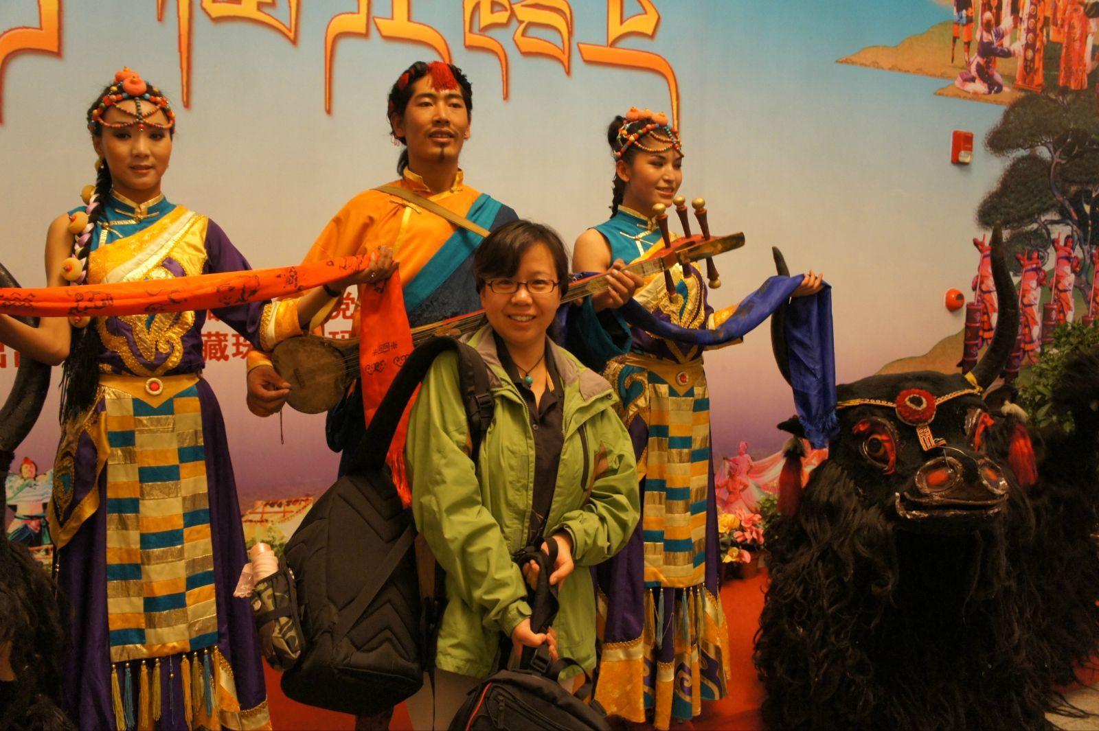 西藏舞蹈人物素材