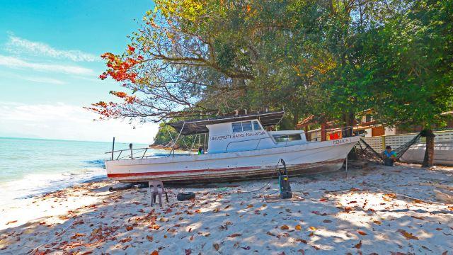 3分 (44条点评) 5 槟城国家公园位于槟岛的西北部,这里以前叫班台亚齐