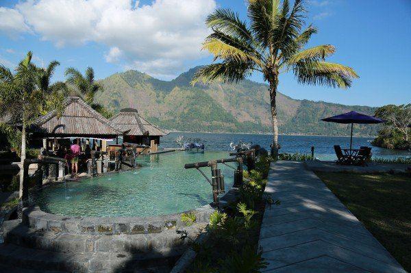 火山湖 印尼 说实话温泉这东西真不能泡太久了,我反正受不了,泡久了