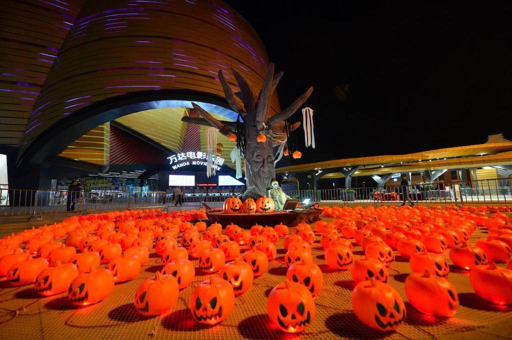 迅雷游记电影的万圣节是这样的,够过瘾!-武汉乐园日本花与蛇电影万达下载图片