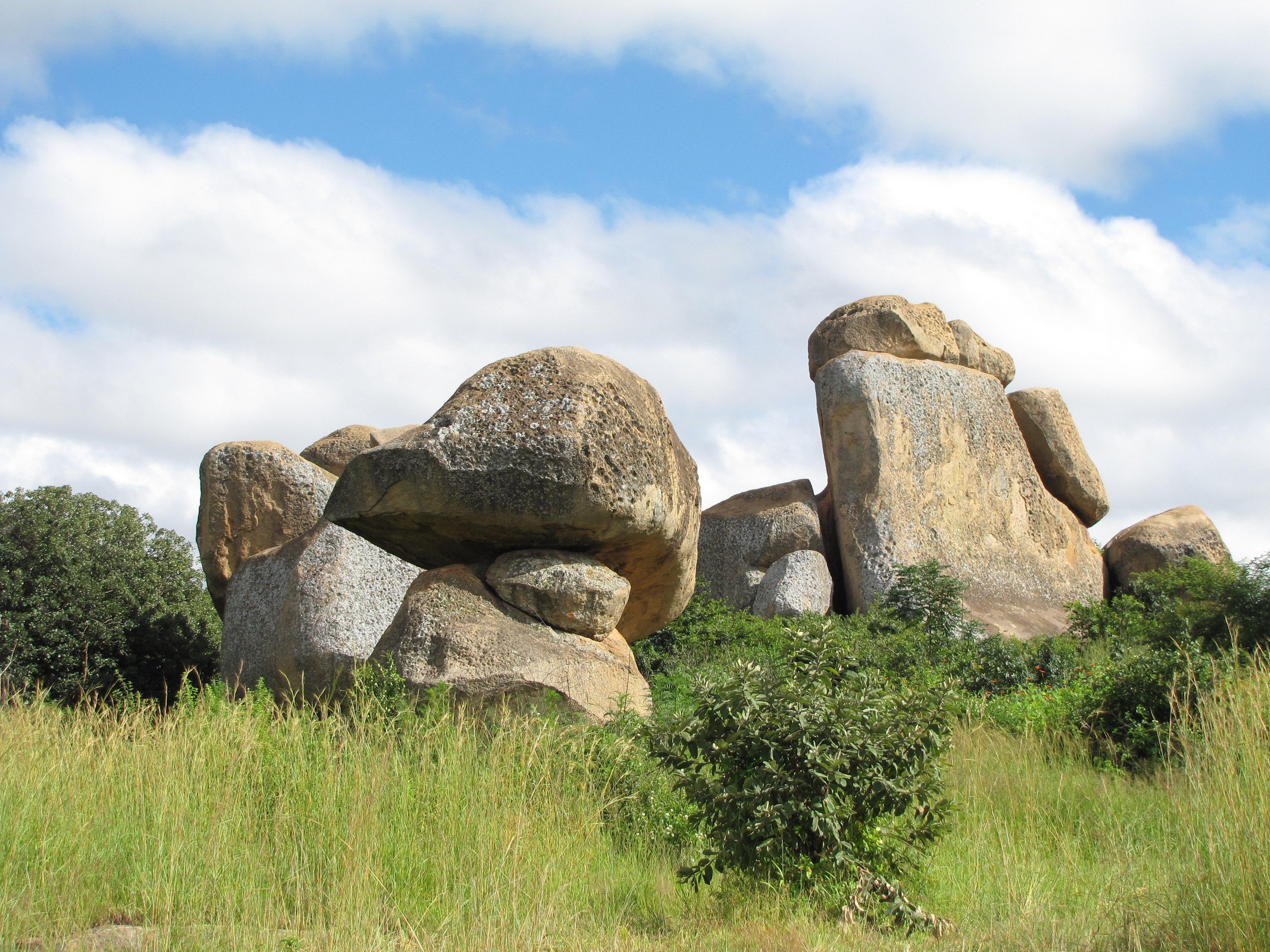 平衡石公園  Chiremba Balancing Rocks   -2