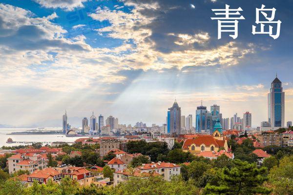 有一个国家级新区(青岛西海岸新区),经济总量紧排上海浦东新区和天津