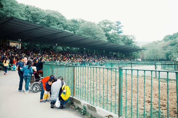 珍珠泉野生动物园作为华东地区最大的野生动物生态园,占地面积800亩