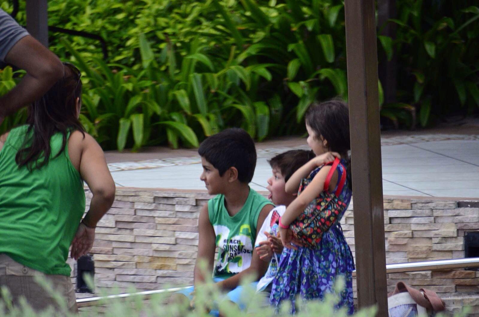 攻略 普吉岛/等待车接的印度家庭卡伦海滩