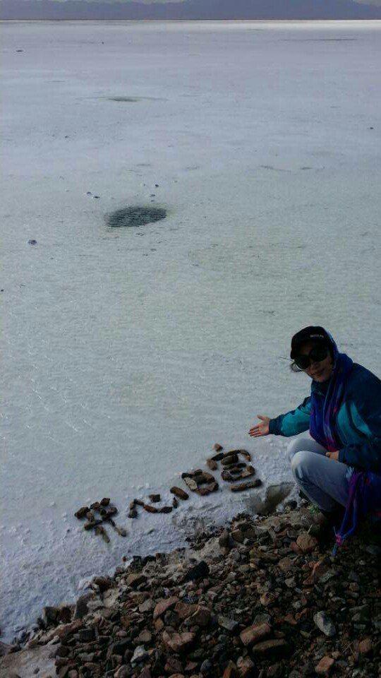 茶卡盐湖是柴达木盆地有名的天然结晶盐湖.