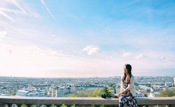 5月3日,巴黎,微雨.  似乎不知道从哪里开始说起,天气,建筑或者风景.