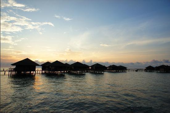 飞鱼带你玩海岛之马布岛西巴丹水上屋度假村度假村(swv)