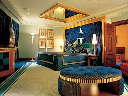 迪拜帆船酒店+阿布扎比5日跟团游(5钻)·住帆船/亚特