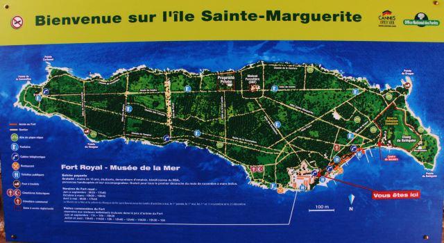 圣马尔典狱长从圣玛格丽特岛上的国家监狱带来了他的两个心腹看守-执