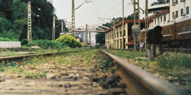 废物利用手工制作铁路