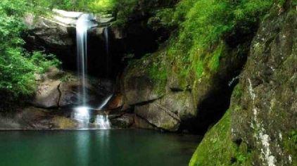 金丝峡漂流位于商南县金丝峡国家森林公园入口处,邻近沪陕高速