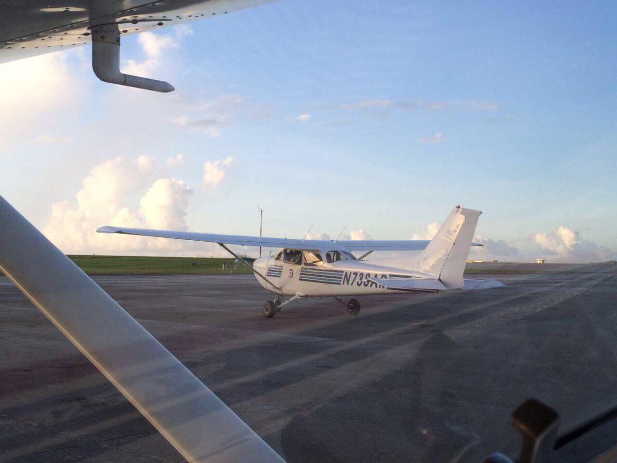 关岛的很多娱乐项目比如开飞机潜水都要提前两天