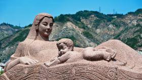 黄河母亲雕塑