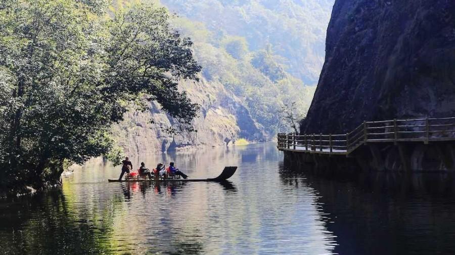 九龙潭风景区位于福建省泰宁县世界自然遗产