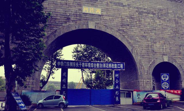 金色欧式罗马门城堡拱门