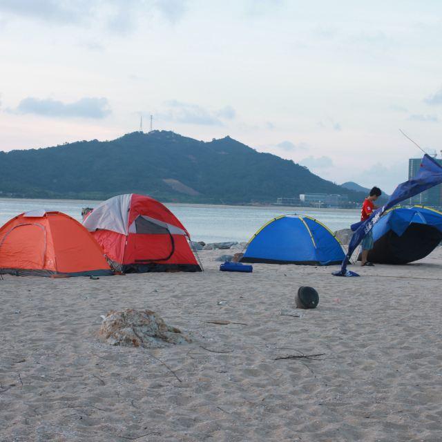 三山岛位于阳江市海陵岛东南面的一个小岛,岛上没有常住人口,只建有