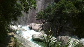 鄣山大峡谷旅游风景区