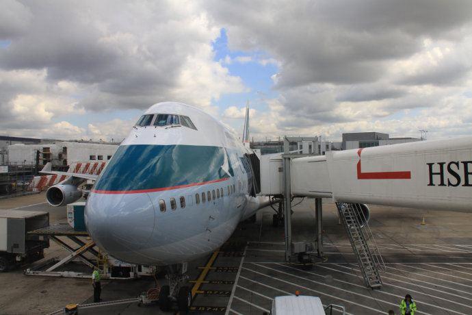 北京到英国飞机多久