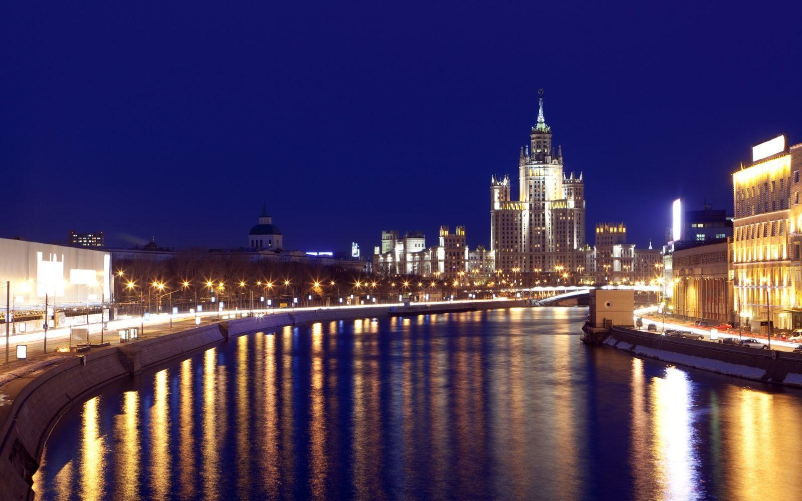 俄罗斯莫斯科 圣彼得堡7日跟团游 4钻 全5星酒店 双高铁 冬夏宫 谢镇