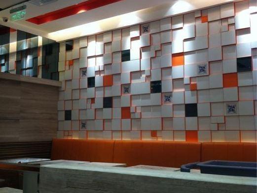 南京西路1601号芮欧百货b2楼b213号近静安寺地铁站图片