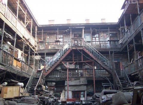 1932年11月第二次重新建成砖石结构的建筑.