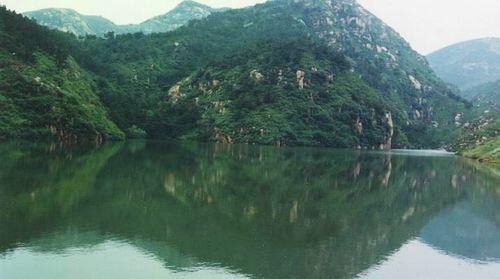 棋山国家森林公园是山东省级森林公园,位于莱芜市里辛镇,在泰安
