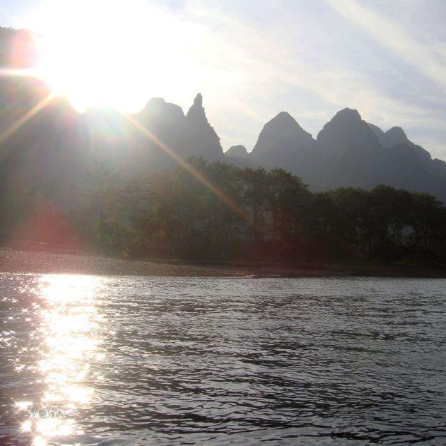 主要的景点有乡吧岛,半边奇渡,桃源望月,仙人推磨,月光岛,水帘洞,浪石