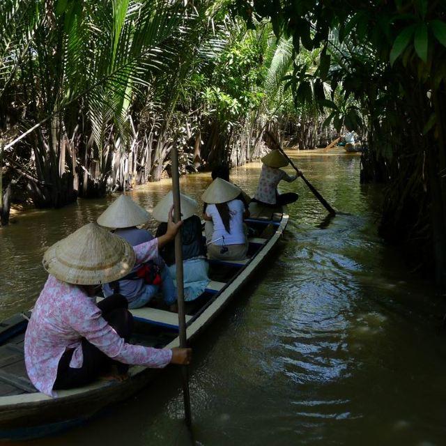 流经美拖南部的湄公河上有四个小岛.最大的是泰山岛.