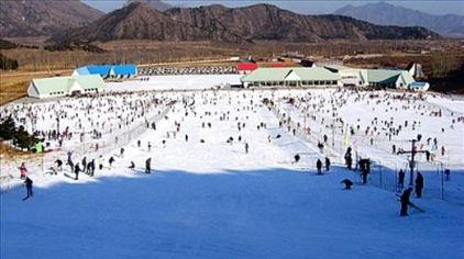 北京石油阳光会议中心1晚 双人早餐 特色藏药浴两人次 游泳两人次 雪世界滑雪场门票2张 餐饮代金券 新春套餐