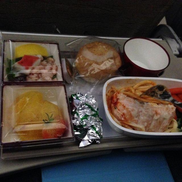 给大家看下韩亚航空的飞机餐吧