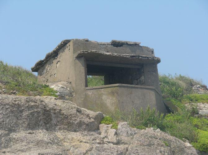 幼儿纸箱手工制作碉堡