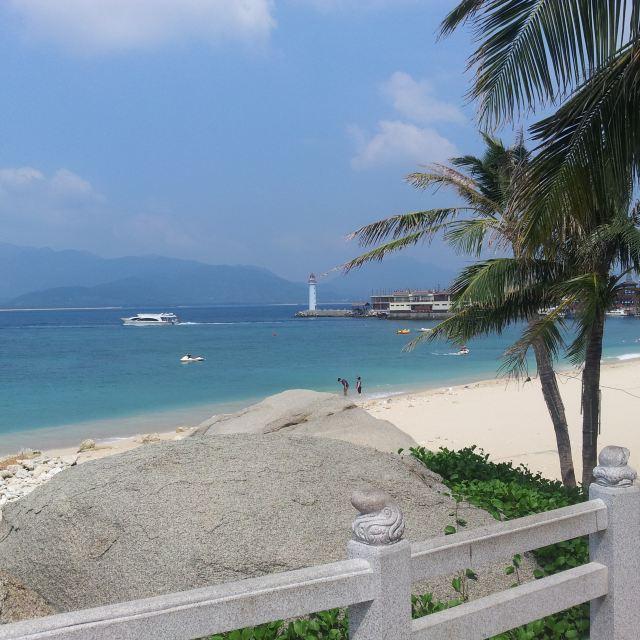 蜈支洲岛,个人感觉分界洲岛更好,乘船距离较近,风光丝毫不逊,另有海豚