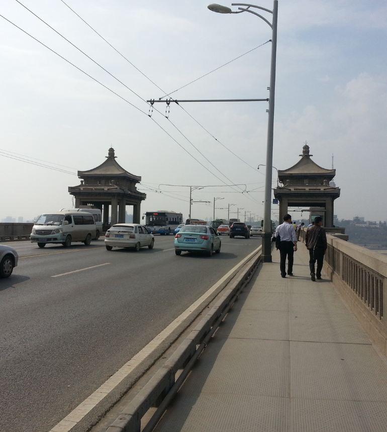 武汉长江大桥的夜景 武汉长江大桥 想看看旧租界欧式建筑及武汉的老区图片