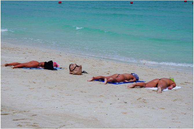 朱美拉海滩――那些让人喷血的美女