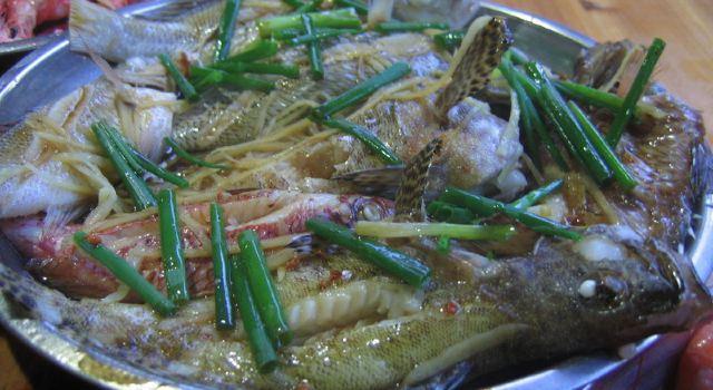 农村烤鱼用大铁桶摊滩怎样